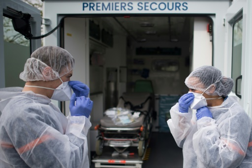 Coronavirus: plus de 10.000 morts en France, le confinement encore resserré